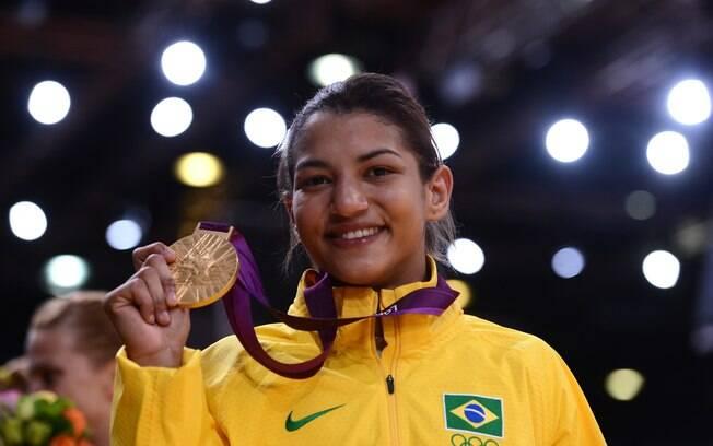 Sarah Menezes e a medalha de ouro conquistada  em Londres 2012, a primeira de uma mulher no judô  brasileiro