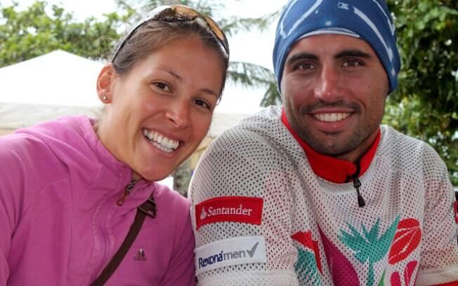 Marie Lepor acompanha o namorado Stephane  Logerot. Ele e sua equipe vieram apenas para  tentar completar a prova