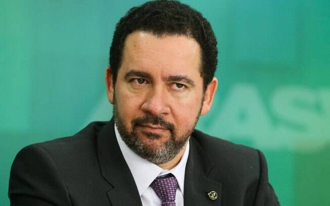 Dyogo Oliveira afirmou que o governo pretende pulverizar controle da Eletrobras com as vendas das ações