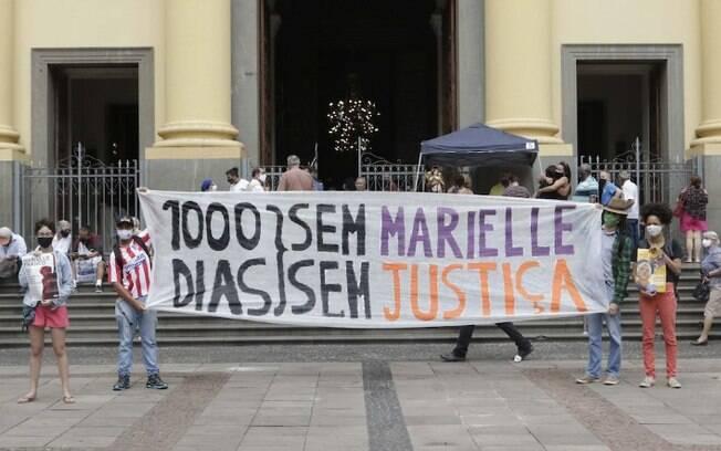 Manifestantes fazem ato em Campinas por mil dias da morte de Marielle