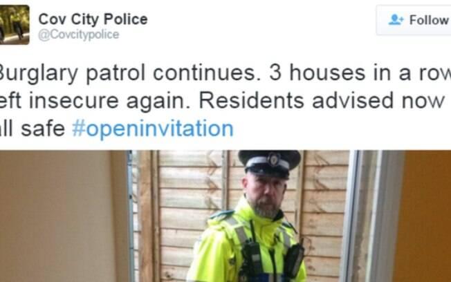 Policiais entram nas casas, tuítam e alertam os moradores