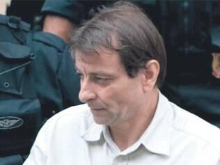 Justiça manda deportar Battisti