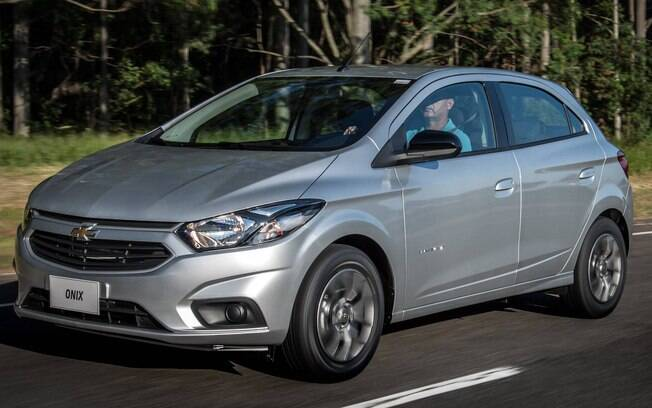 Chevrolet Onix é o destaque entre os carros mais vendidos do Brasil. E deverá fechar 2018 na liderança