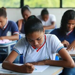 Fies: 'Não adianta entrar em faculdade de baixa qualidade', diz pesquisador