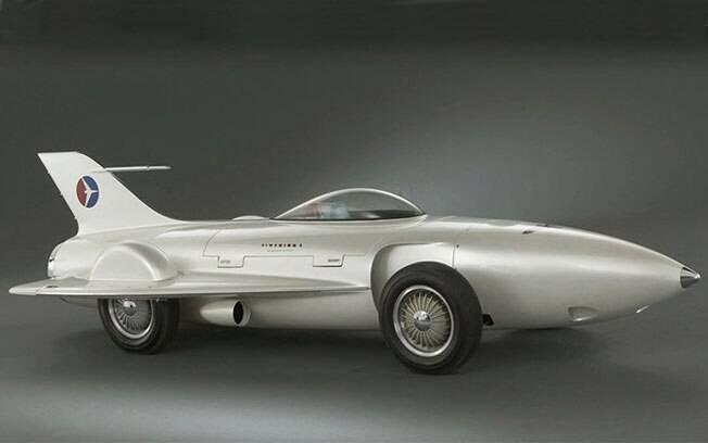 Para a GM, os carros iriam se aproximar dos aviões e foguetes, tanto no design quanto no uso de turbinas.