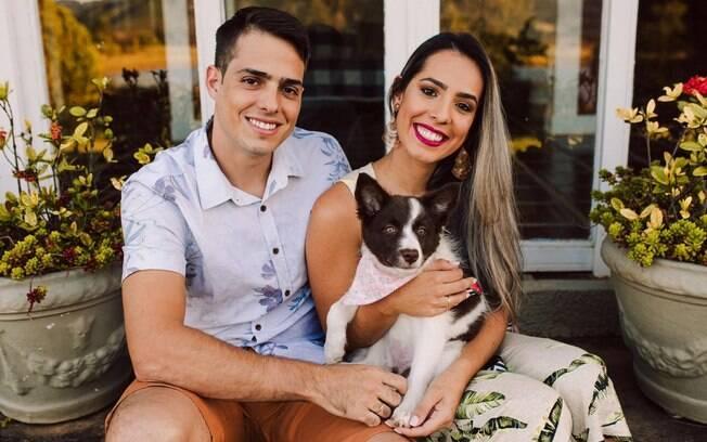 casal e cachorro