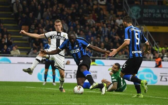 No duelo deste sábado, Inter de Milão e Parma ficaram no empate por 2 a 2