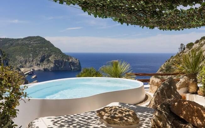Hacienda Na Xamena, na Espanha, é uma das regiões de Ibiza mais popular por render notáveis fotos de viagens