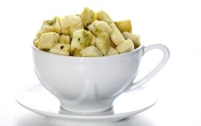 Croutons: contêm bastante gordura, por normalmente serem assados com óleo