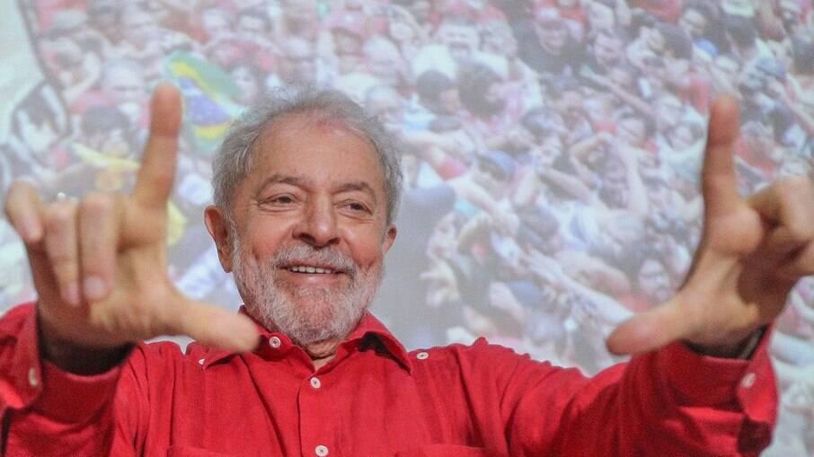 Lula volta a ser elegível a cargos políticos após anulação de provas da Lava-Jato