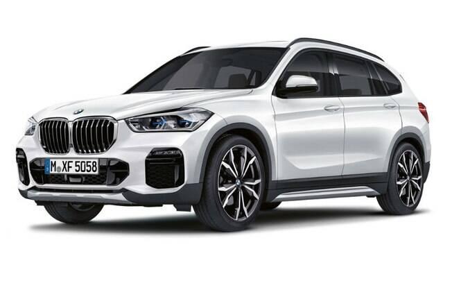 X1: o X1, que mudou bem da primeira para a segunda geração e agora ganhará um facelift. Ao lado, o Série 1, que sempre foi um hot hatch de respeito e agora terá t