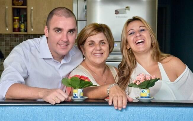 Regina Estela Cardoso e seus filhos, Roberta, de 32, e Rodrigo, de 29: diálogo é importante para estabelecer limites