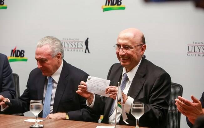 Presidente Michel Temer e ministro Henrique Meirelles: chefe da Fazenda se filiou ao MDB nesta terça-feira