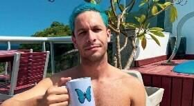 Ator surpreende seguidores com foto pelado: