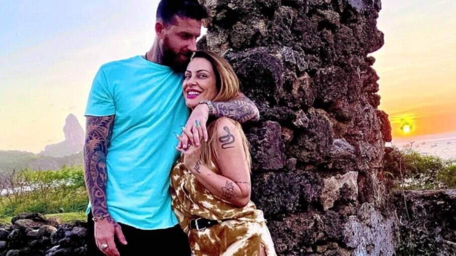 Cleo e Leandro D'lucca aproveitam lua de mel em hotel com diárias de R$ 3,5 mil