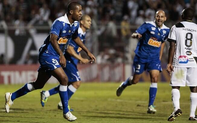 Dedé abriu o placar na vitória do Cruzeiro diante da Ponte Preta