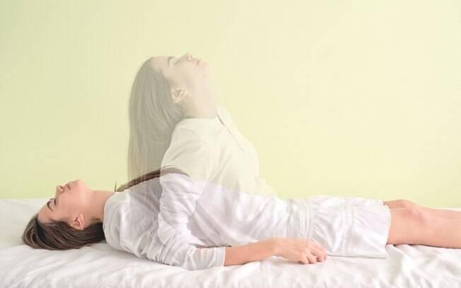 De acordo com o especialista em hipnose clínica Steve G. Jones, é possível fazer sexo