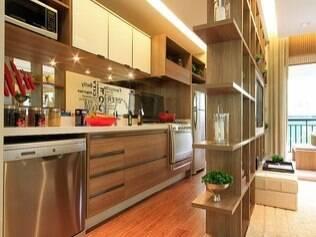 Verificar o tamanho dos móveis no decorado é fundamental antes de assinar o contrato