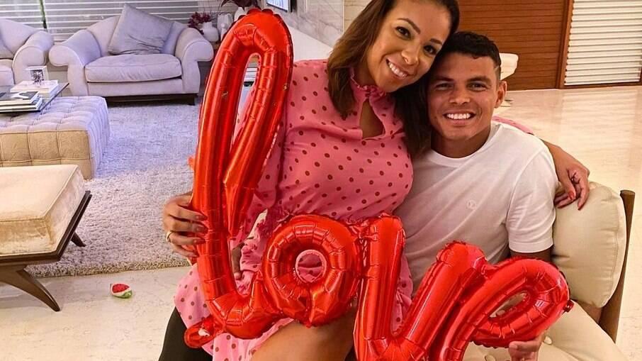 Tiago Silva e esposa