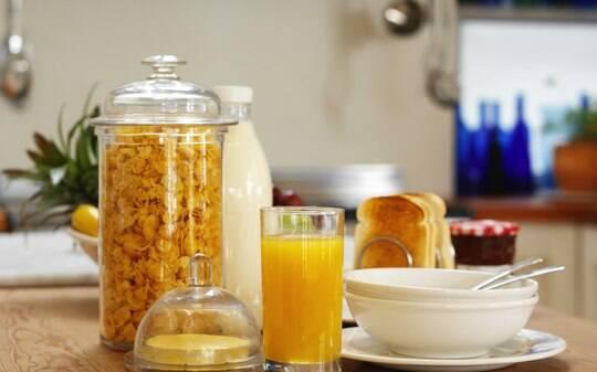 Aprenda a preparar o café da manhã ideal, que minimiza a fome do fim do dia - Alimentação e Bem-Estar - iG