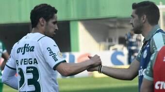 Fora de casa, Palmeiras vence Chapecoense sem dificuldades