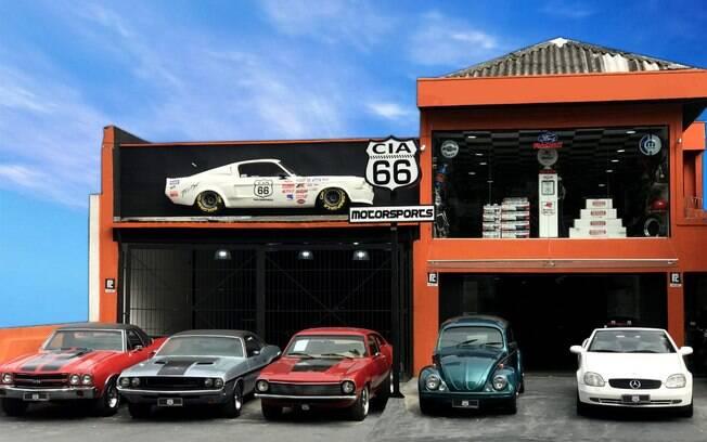 Fachada da Cia 66 Motorsports, loja para quem gosta de carros clássicos