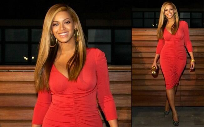 A cantora Beyoncé mostrou boa forma uma mês após dar à luz Blue Ivy