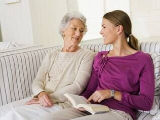 Os benefícios de ter amigos idosos
