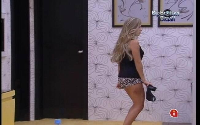 Renata dança no Quarto do Líder
