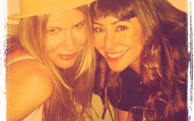 Sabrina Sato e a amiga Mônica Cardoso