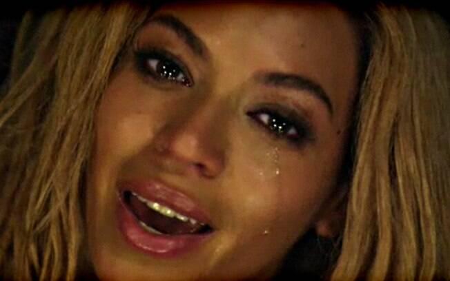 Beyoncé chora no videoclipe de