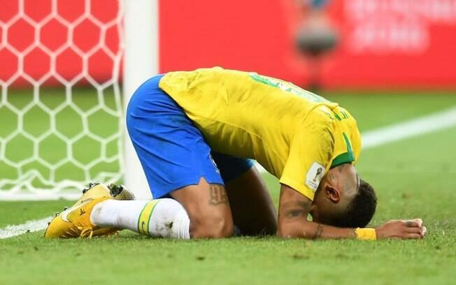 Neymar tentou, mas não conseguiu decidir a favor do Brasil no jogo contra a Bélgica