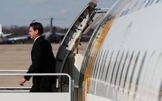 """""""Se quer levar mais de 10 quilos, pague"""", diz Bolsonaro sobre bagagens"""