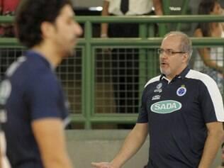 Em cinco meses, o treinador argentino viu o seu time comemorar a vitória nas três competições que disputou