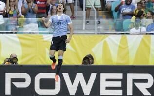 Cavani dá méritos à Itália e diz que Uruguai 'sai de cabeça erguida' - Confederações 2013 - iG