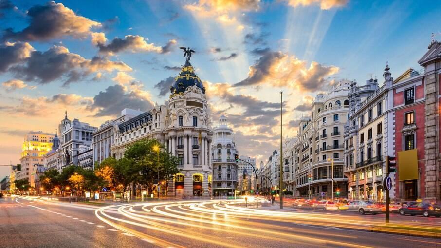 A Gran Via é uma das principais ruas de Madrid