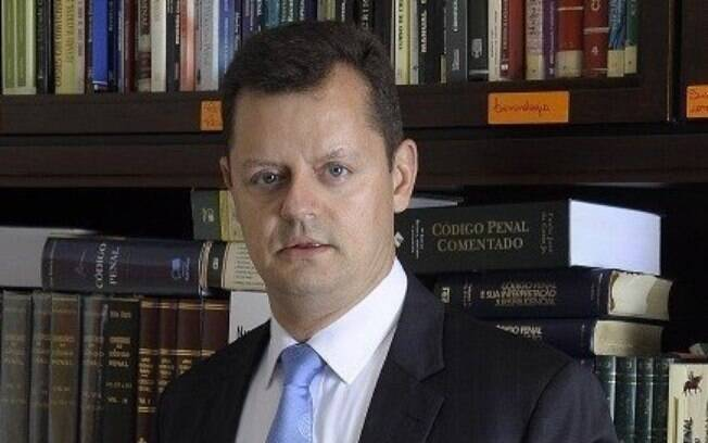 Advogado Claudio Gastão já defendeu a extremista Sara Giromini