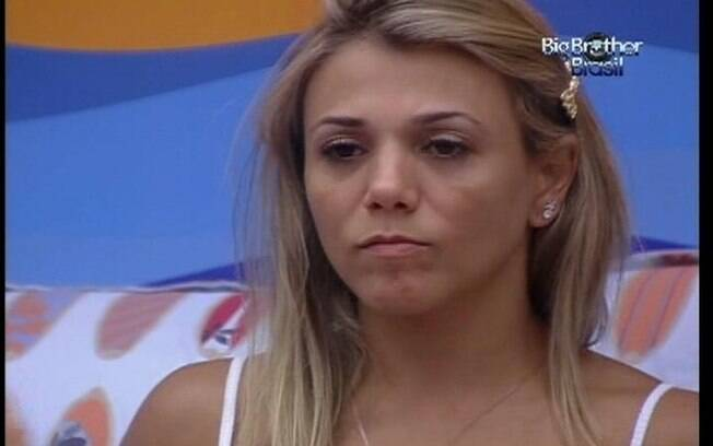 Fabiana continua inconformada com atitude de Ronaldo