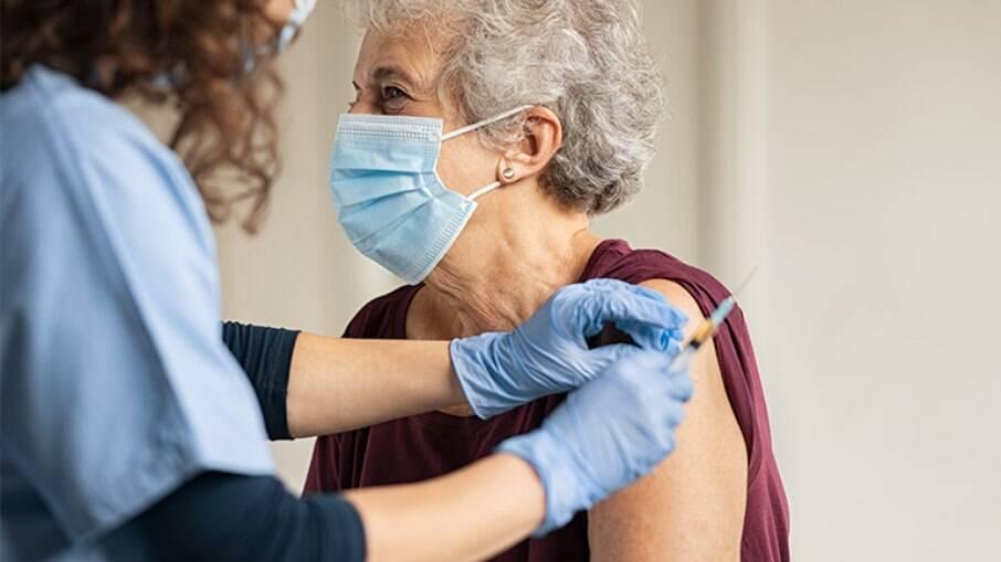 Nova vacina tem quase 78% de eficácia contra variante Delta, diz fabricante