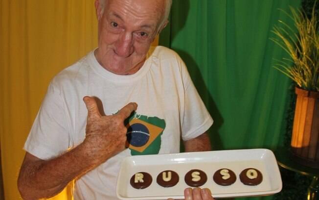 Russo comemora 83 anos com festa patrocinada