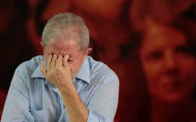 Ex-presidente Lula poderá ocupar cela coletiva em carceragem em São Paulo