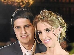Carolina Rabelo e Alexandre Dieguez casaram-se no sábado (4), com uma bela cerimônia, seguida de recepção, em Belo Horizonte. Toda a organização do enlace foi dos empresários Bruna Cotta e Dennis, da Diniz