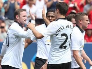Rooney comandou a vitória do United