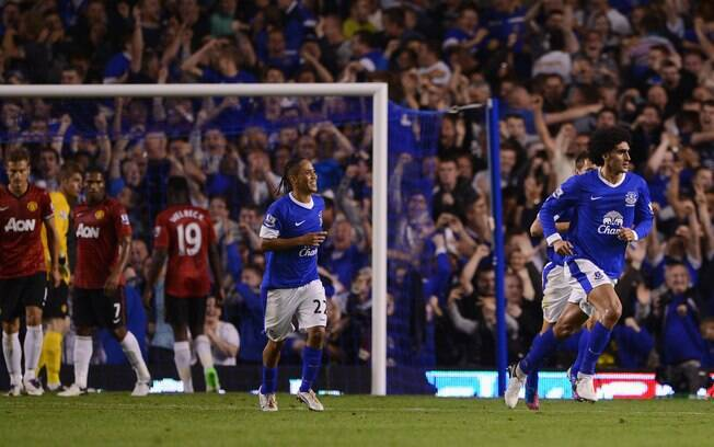 A estreia do Manchester United não foi boa.  Na primeira rodada, derrota para o Everton por 1 a  0