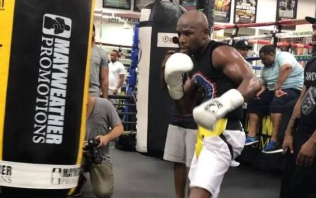 Floyd Mayweather treinando
