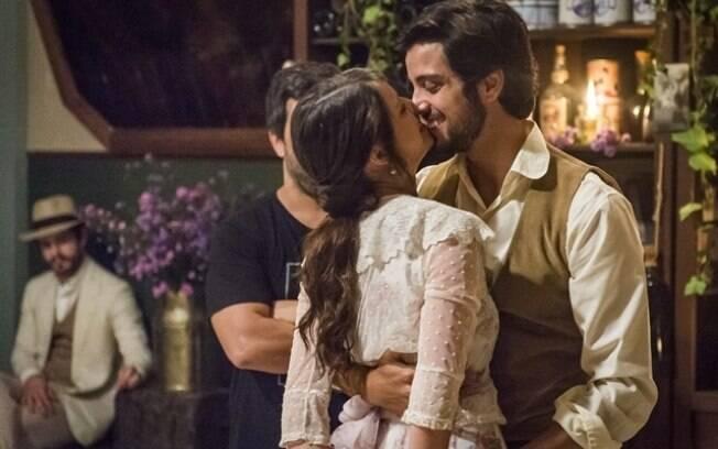 Só love! Cinco motivos para shipar Agatha Moreira e Rodrigo Simas