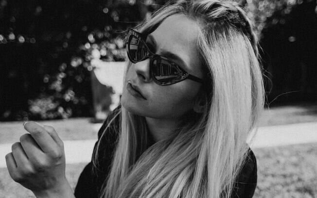 Em carta aberta aos fãs, Avril Lavigne anuncia sua nova música e a batalha contra a doença de Lyme
