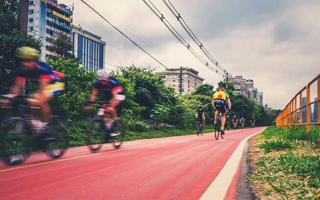 Apesar dos avanços em termos de infraestrutura, os ciclistas ainda enfrentam muitas dificuldades nas grandes cidades