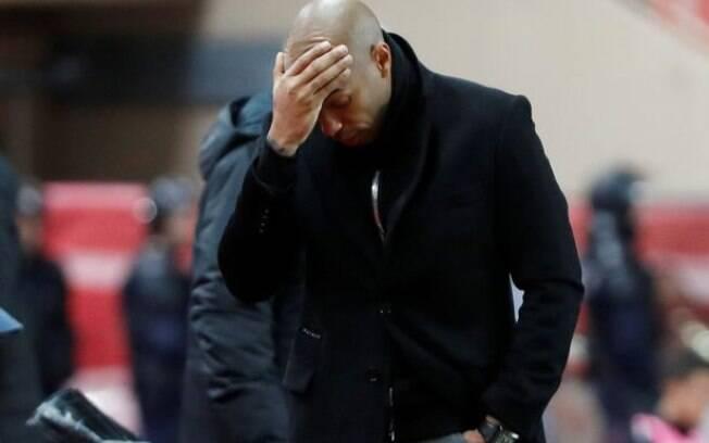 Thierry Henry venceu apenas duas partidas de 12 disputadas no comando do Mônaco