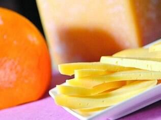Artesanal.  Por dia, os produtores da região da Canastra fabricam  até 16 mil quilos de queijo